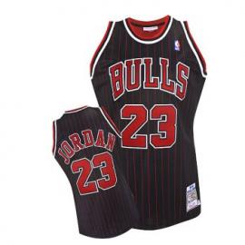 Camiseta Michael Jordan #23 Chicago Bulls Negro con Rayas Rojas